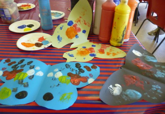 CRAFTY TOTS - creative fun for children aged 2 - 5 years